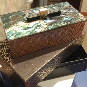 Kendra Scott jewelry box